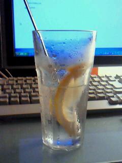 炭酸水4レモン