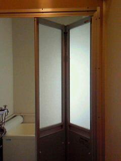 団地の浴室扉